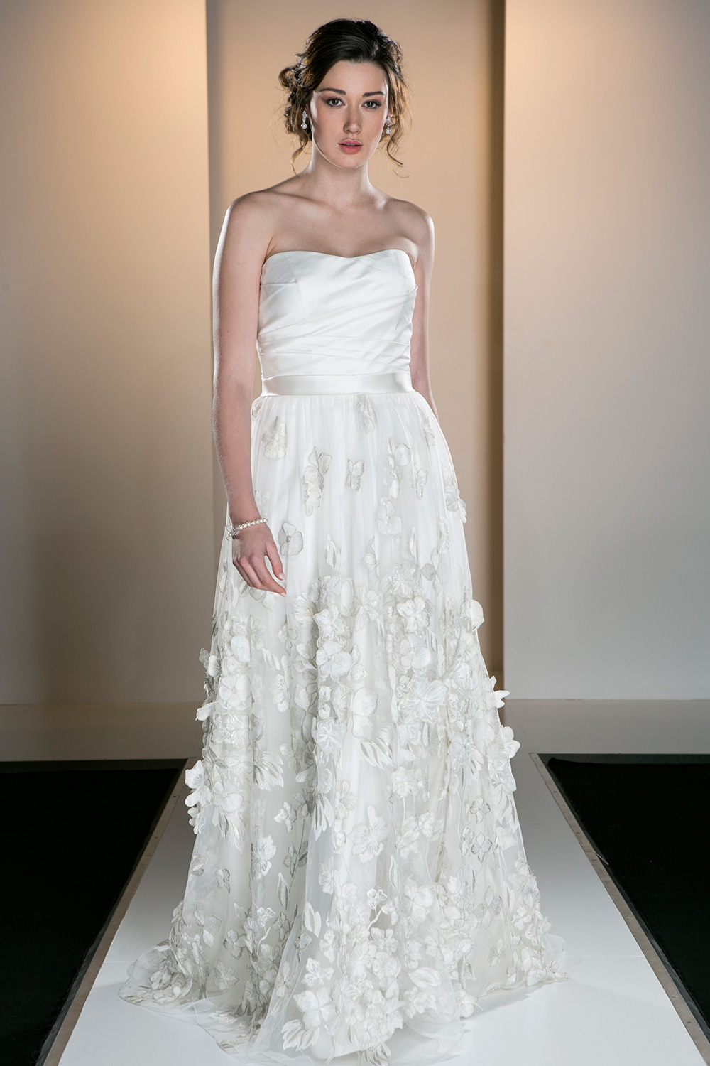 Second hand evening dresses melbourne all pictures top for Second hand wedding dresses london