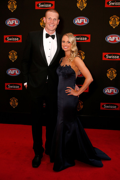 Izzy Daniel Shines On The Brownlow 2014 Red Carpet In Her