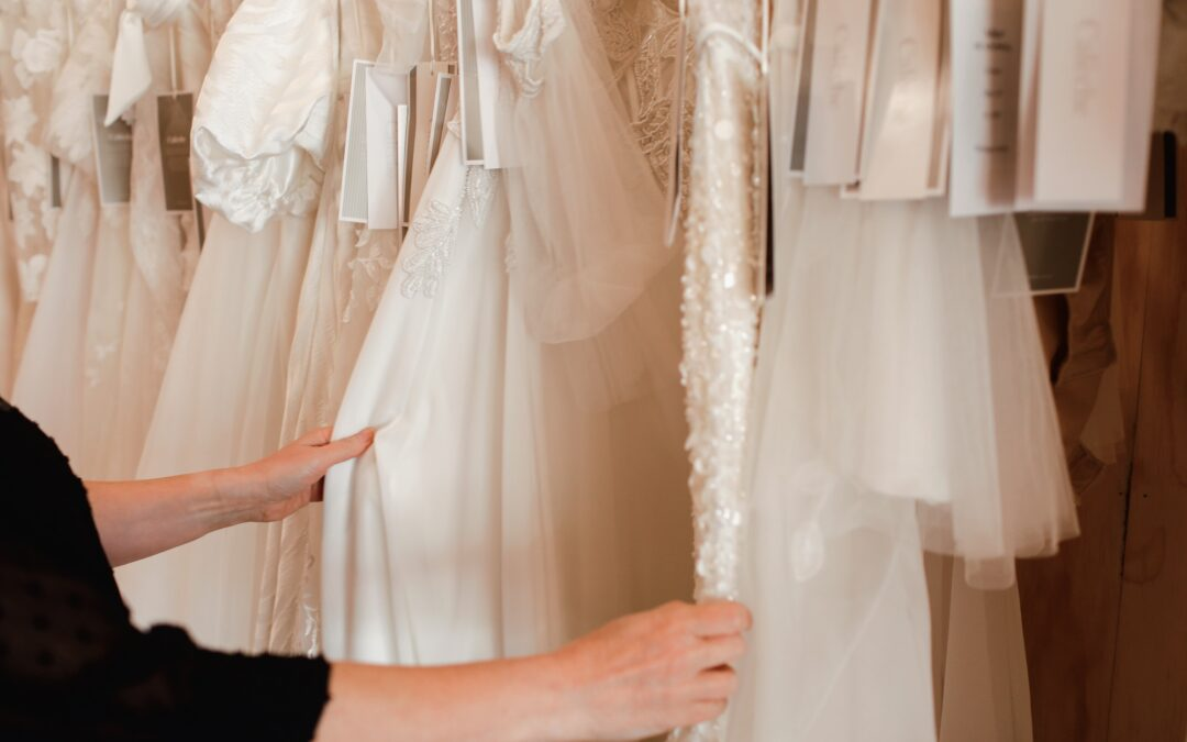 A guide to your wedding dress shopping experience